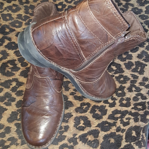 new arrival 75824 952c2 Clarks rustic brown ankle boot Size 9.5